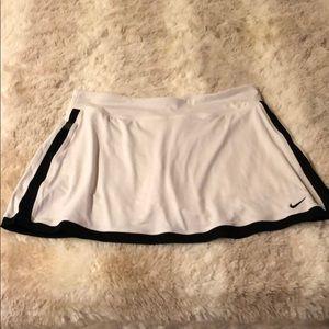 Nike border tennis skirt